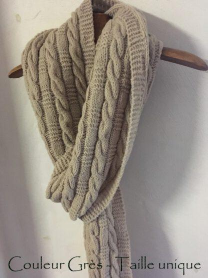 Echarpe très longue en pure laine