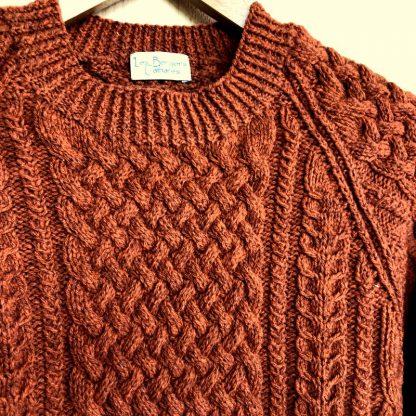 pull pure laine irlandais tricoté à la main