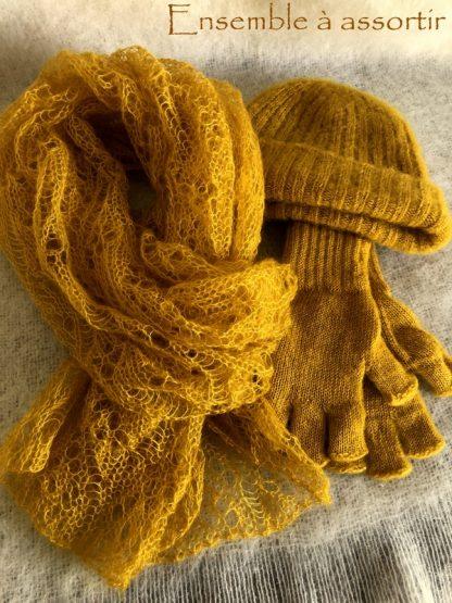 Assortir Echarpe, bonnet et mitaines en mohair