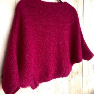 pull chauve souris tricoté à la main